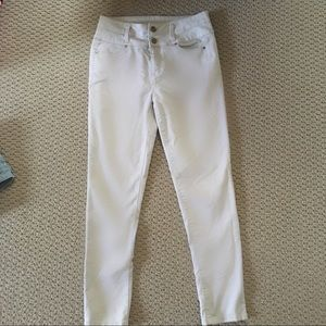 Denim - Cream colored jeans